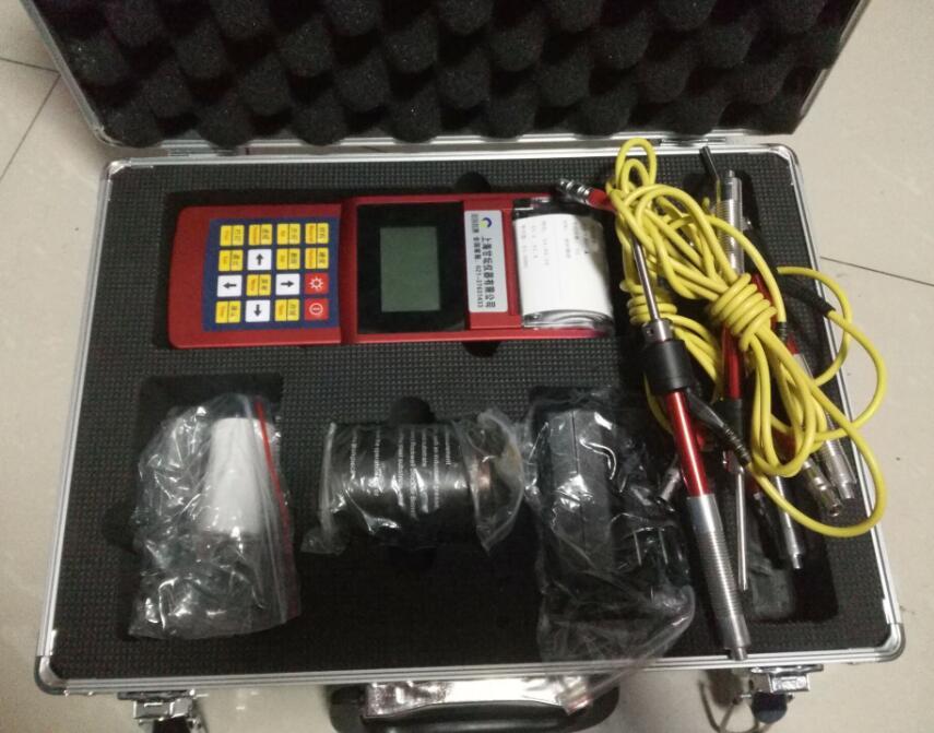便携式硬度计AH160 高亮LED背光,方便光线灰暗环境使用